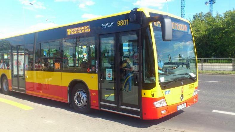 Na ulicach Warszawy pojawiły się nowe autobusy. Na razie są testowane