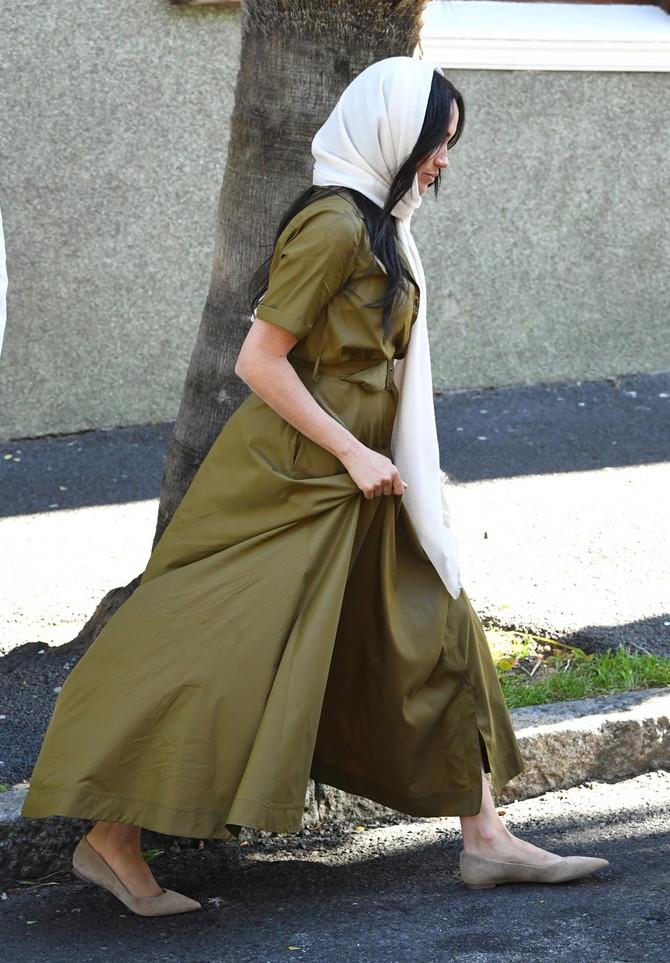 Stomačić krije lepršavim haljinama?