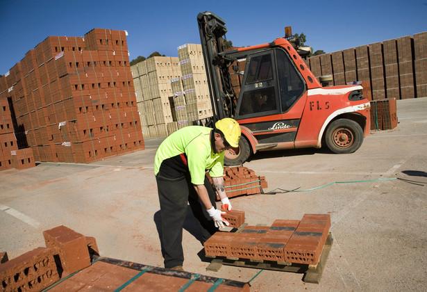 Ministerstwo Finansów sprzeciwia się skróceniu terminu zwrotu osobom fizycznym części VAT za materiały budowlane.