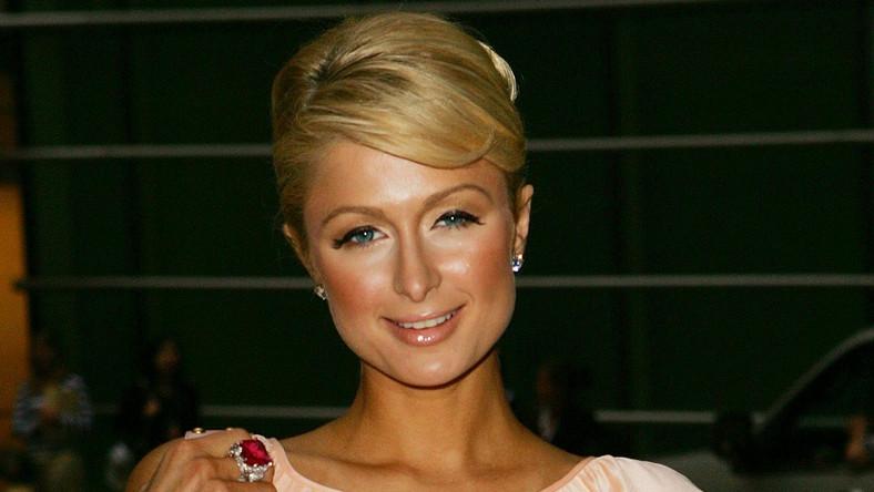 Paris Hilton naga w nowym show