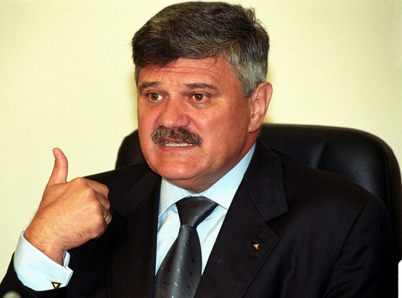 Dušan Mihajlović, tadašnji ministar policije nije dao ostavku