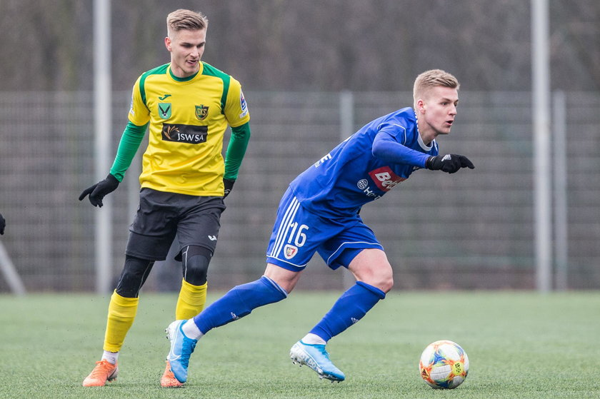 Dotychczas Piast Gliwice zimą przeprowadził tylko jeden transfer. Klub wypożyczył z Lecha Poznań Tymoteusza Klupsia (20 l.).