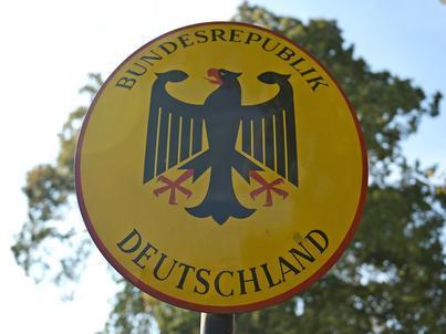 Kanclerz Niemiec za utrzymaniem kontroli granicznych