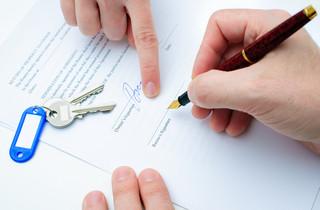 Jakie są warunki sprzedaży mieszkania bez podatku? Dla zwolnienia z PIT liczy się nie tylko podpis u notariusza