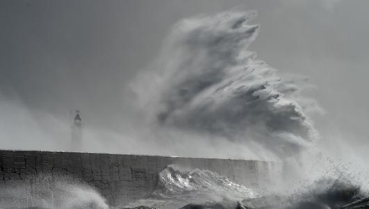 BBC: Następca Ophelii. Burza Brian uderzyła w Wyspy Brytyjskie