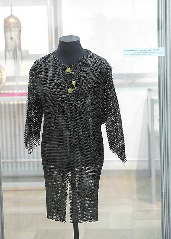 Pancirna košulja, gvozdene karike, XV-XVI vek, nepoznato nalazište