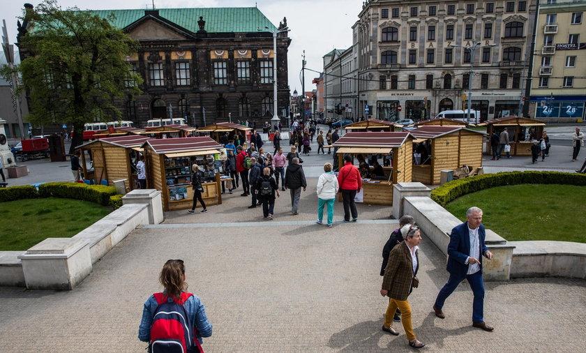 Mobilny punkt gastronomiczny powstanie na pl. Wolności