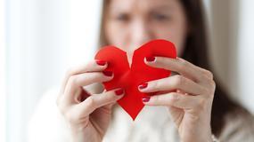 Pięć czynności, które ludzie robią w związkach, choć zabijają tym miłość