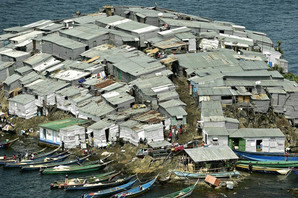 Na ostrvu koje NE PRIPADA NIKOM živi 500 ljudi, nema nijedan slobodan metar, ali ima nešto zbog čega SVI HRLE KA NJEMU (FOTO)