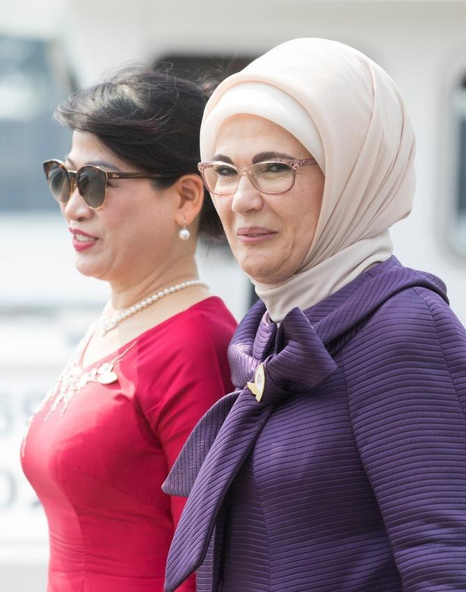 Emina Erdogan sa Irijanom Joko Vidodom, suprugom predsednika Indonezije Džoka Vidode pre nekoliko meseci na samitu G20 u Hamburgu