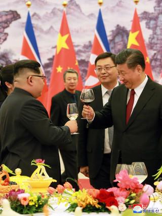 """Kim Dzong Un krytykuje """"bandyckie"""" sankcje międzynarodowe"""