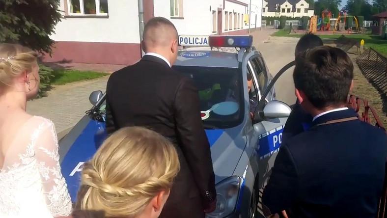 """Kontrola drogówki """"rozgrzała"""" weselników"""