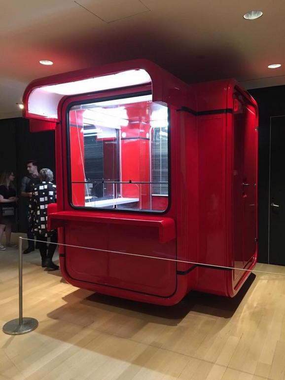 Na izložbi će se naći i čuveni crveni kiosk