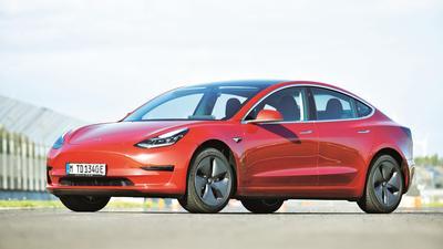 Tesla w Niemczech stawia na diesle!
