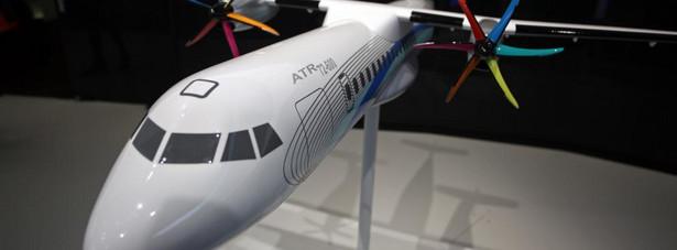 Model turbinowego ATR 72-600 zaprezentowany na 49 Air Paris Show w Paryżu.
