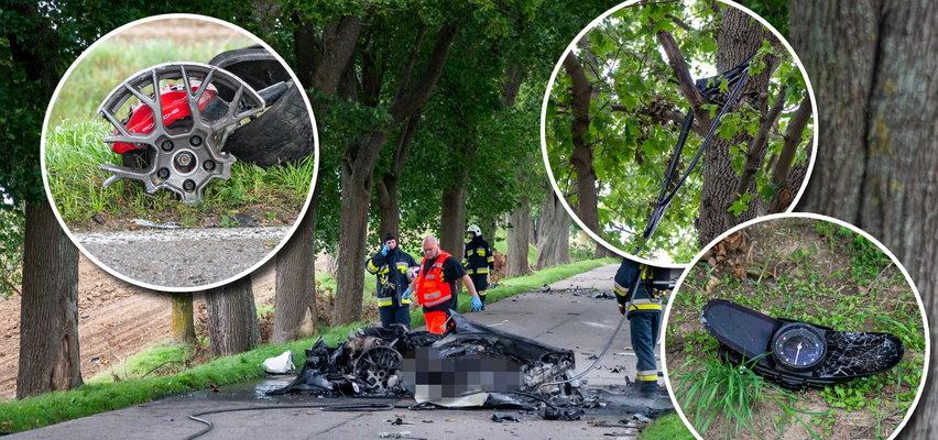 Koszmarny wypadek pod Mikołajkami. Z porsche została miazga. Części auta były porozrzucane na polu, inne wisiały na drzewie