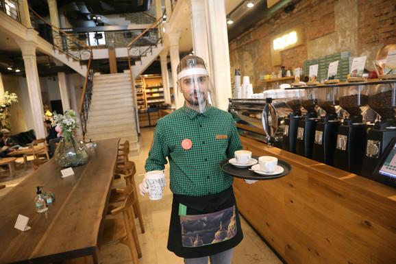 Poštovanje svih mera po kafićima