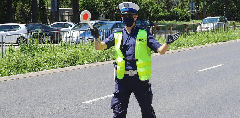 Polscy kierowcy masowo łamią te przepisy, a policja rozpoczyna kontrole dronami! Sprawdź, za co grozi mandat, zanim dostaniesz go pocztą!
