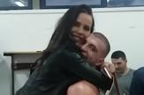 veljko_raznatovic_bokser_devojka_show_clip_safe