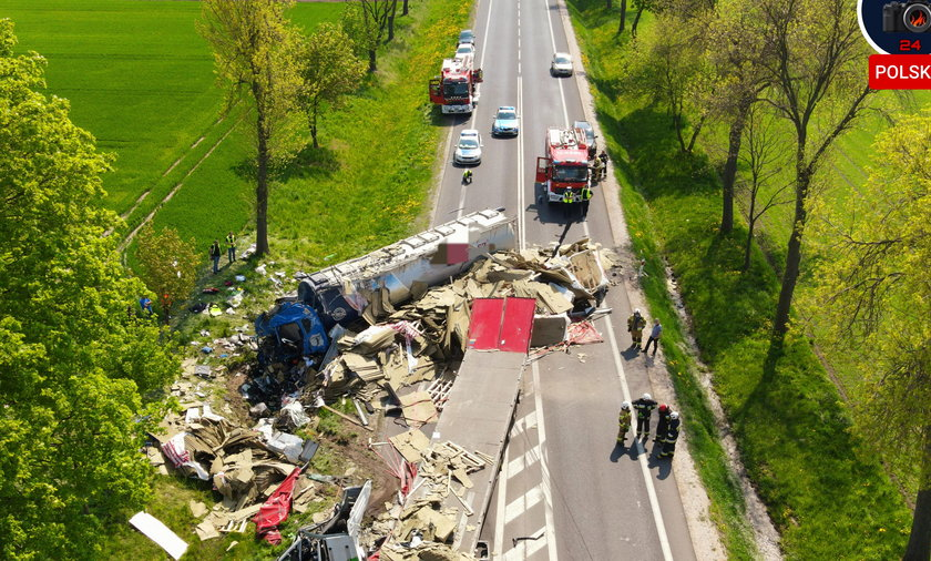 Koszmarny wypadek na Mazowszu. Zginęła jedna osoba.