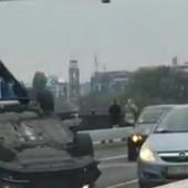 HAOS NA BRANKOVOM MOSTU Posle lančanog sudara auto završio na krovu, više povređenih, u vozilima bilo i DECE (VIDEO)