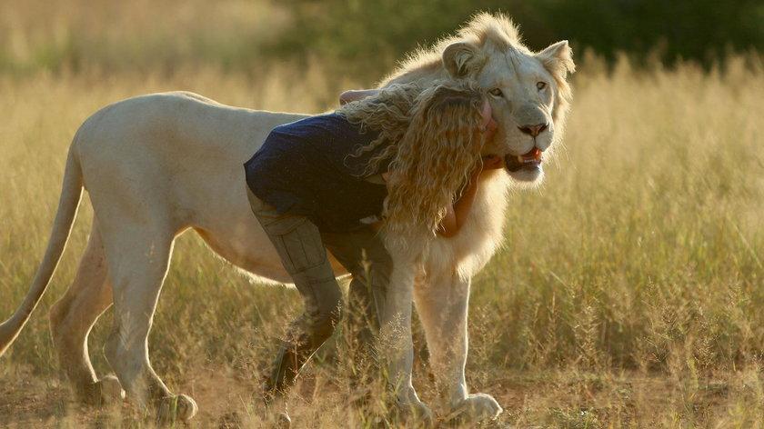 """Kadr z filmu """"Mia i biały lew"""""""
