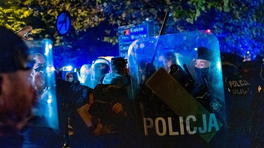 Protesty w całej Polsce. Policjanci: nie postrzegajcie nas jako zbrojnego ramienia rządu