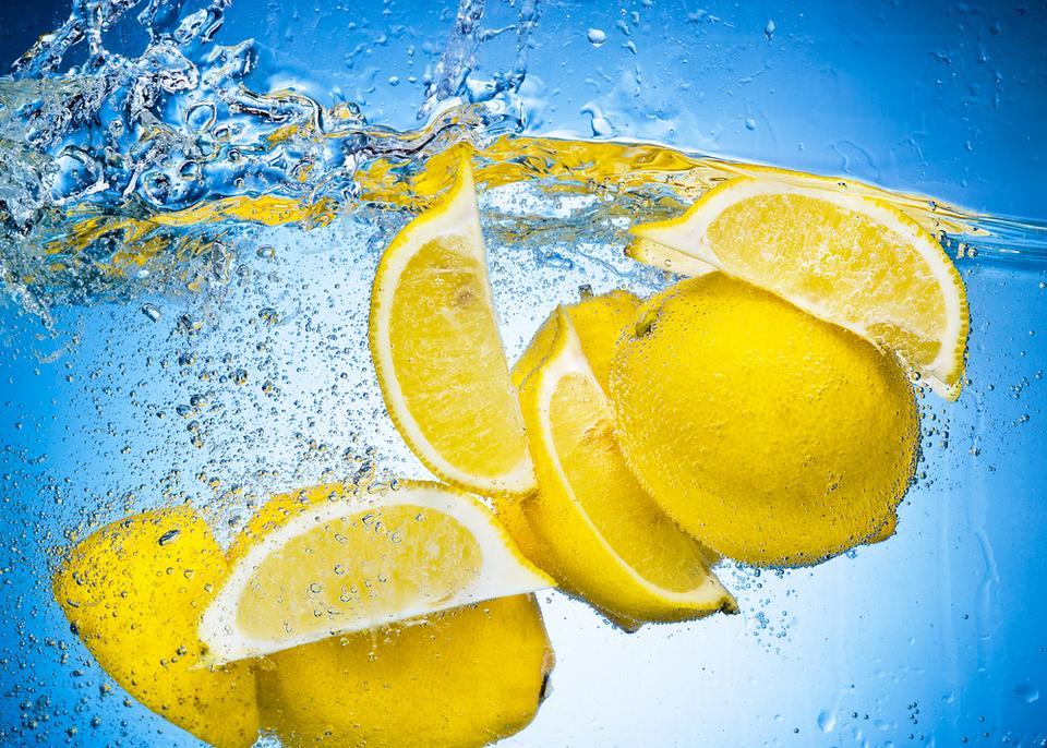 Na tłuszcz i brud pomoże cytryna
