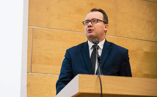 Bodnar: Polska powinna być tym państwem, które uczestniczy w akcie solidarności z uchodźcami