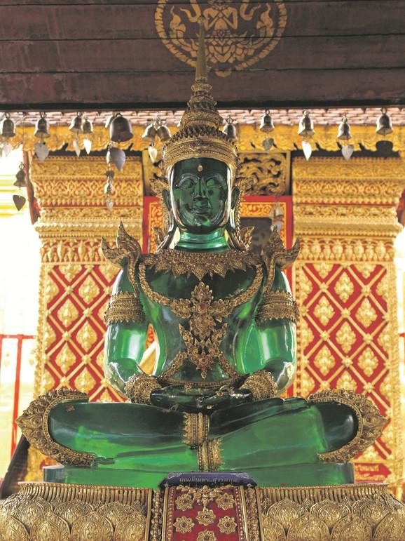 Hram Smaragdnog Bude