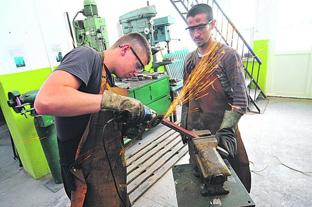 Veliki broj učenika koji pohađa dualno obrazovanje nađe posao u struci