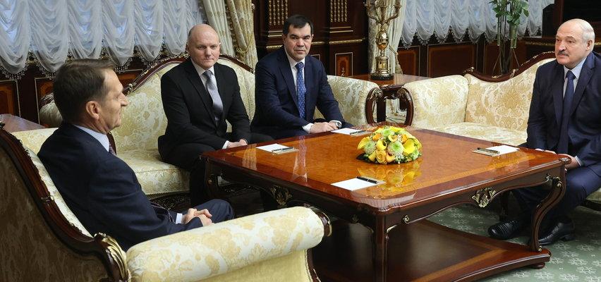 Ma polskie korzenie, ale bliżej mu do sowieckich. Kim jest prawa ręka Łukaszenki?