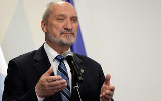 Macierewicz: Ponad rok temu zwracałem uwagę prezydentowi na pewne nieprawidłowości w BBN