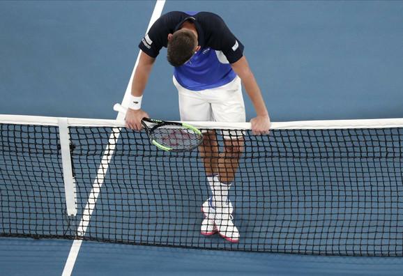 Filip Krajinović u završnici meča sa Rodžerom Federerom na Australijan openu