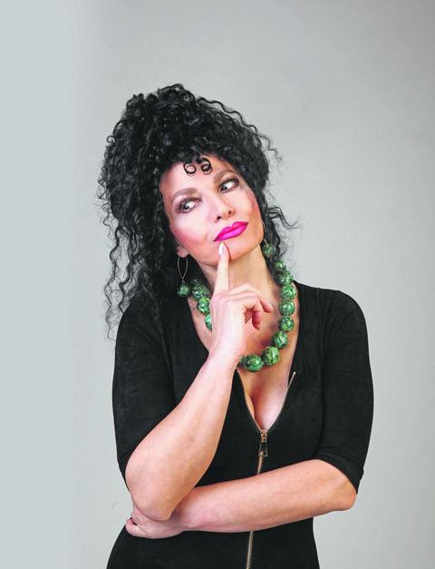 Prvi put bez kovrdža: Udaje se naredne godine, a 2018. će ostati upamćena po prizoru Lidije Vukićević sa ispravljenom kosom! Foto