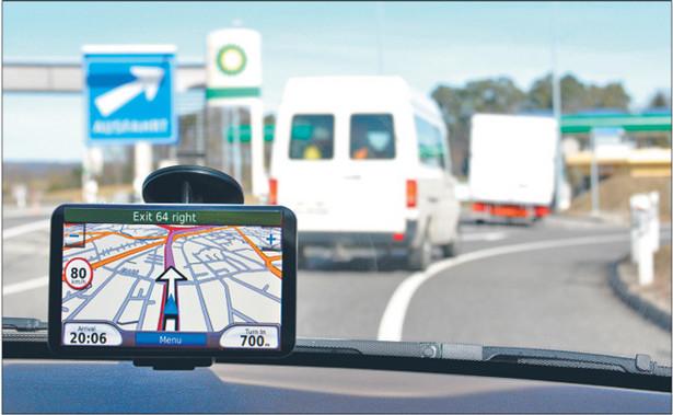 Nowoczesne urządzenia pozwalają dyspozytorowi kontrolować wiele elementów samochodu Fot. Shutterstock.com