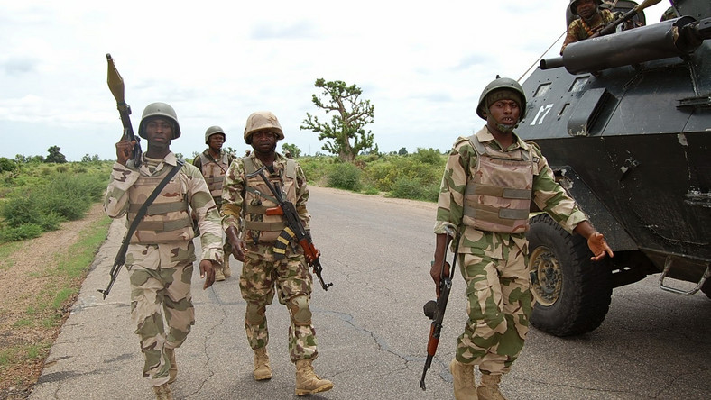 Nigerian troops on a war front in battle with Boko Haram (Sahara Reporters)