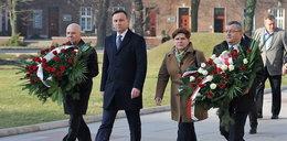 Wpadka Dudy nad grobem Lecha i Marii Kaczyńskich