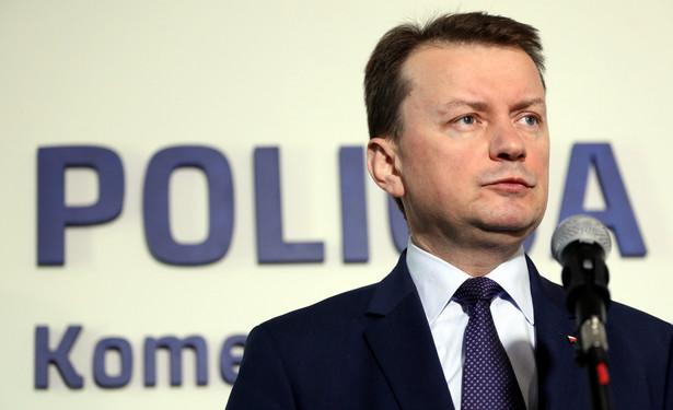 Minister odniósł się do wydarzeń z udziałem policji podczas piątkowego meczu piłkarskiego między Ruchem Chorzów a Górnikiem Łęczna