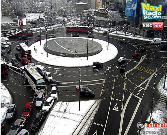 Pojačan saobraćaj na Slaviji prema Nemanjinoj ulici
