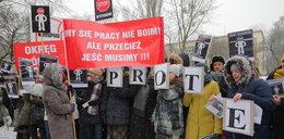 Protest w prokuraturze w Łodzi. Większość na L4