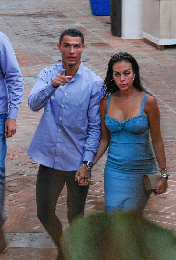 Ronaldo sa Georginom pre nekoliko nedelja u Portugaliji