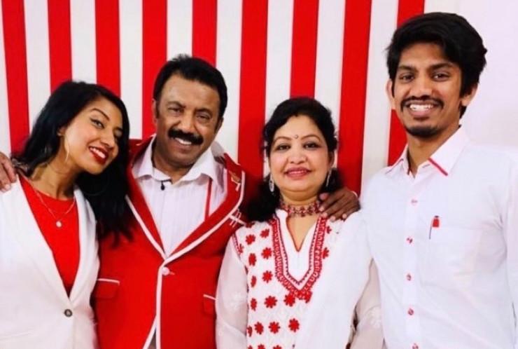 Seven Raj i porodica