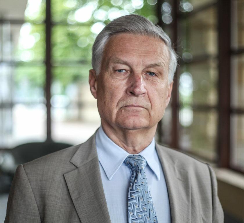 Piotr Kuczyński: Ostrzegałem przez tymi kredytami