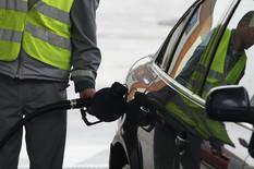 175 DINARA ZA LITAR DIZELA Cene goriva i dalje divljaju, a prete nam i NOVA POSKUPLJENJA