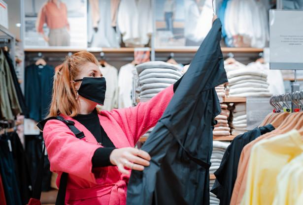 Styczniowy lockdown uderzył przede wszystkim w handel odzieżą i obuwiem