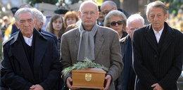 Pogrzeb Jarockiego. Artyści na czele konduktu. ZDJĘCIA