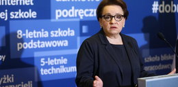 Ale heca! Zalewska znalazła winnych za przeludnione szkoły