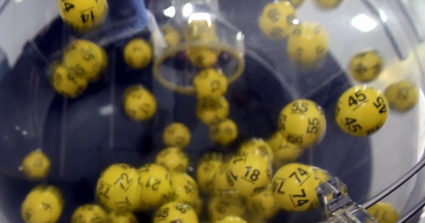 Pieniądze na gry hazardowe wydaje 67 proc. Polaków