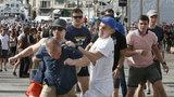 Rosyjski polityk: Kibice bronili honoru kraju. Takie bójki są normalne
